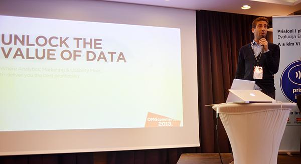 Luigi Reggiani govori o Google Analyticsu na OMGcommerce (snimila: Marina Filipović Marinshe)