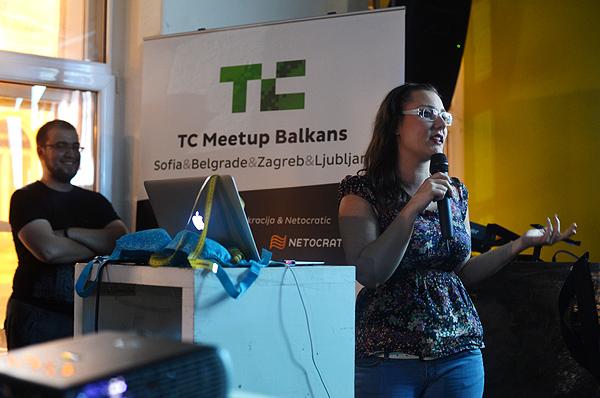 Ana Kolarević predstavlja Sizem, pobjednički startup TechCrunch Balkans Meetupa u Zagrebu. (Fotografija: Marina Filipović Marinshe)