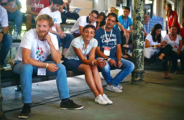 Shouteam.com team u publici (Snimila Marina Filipović Marinshe)