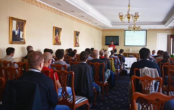 Konferencija je održavana na dvije lokacije - hotelu Waldinger i bivšoj tvornici Litokarton.