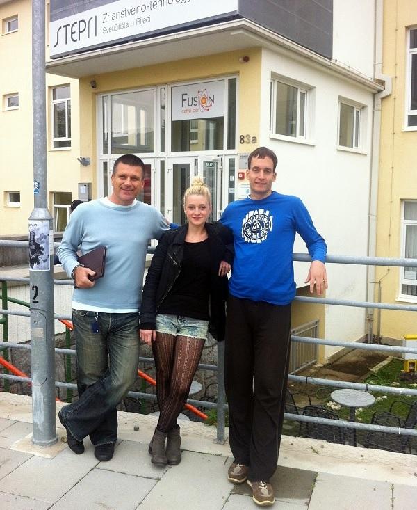 Tim tvrtke Digitalne tehnologije čine Boško Knežević, Nina Jurčić i Sanjin Saletnig, a smješteni su u Znanstveno tehnologijskom parku Sveučilišta u Rijeci.
