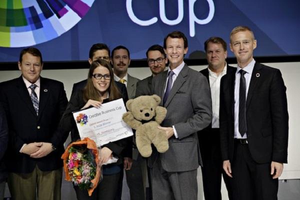 Za svoj su projekt Teddy the Guardian Ana i Josipa dobile sva priznanja na natjecanju Creative Business Cup
