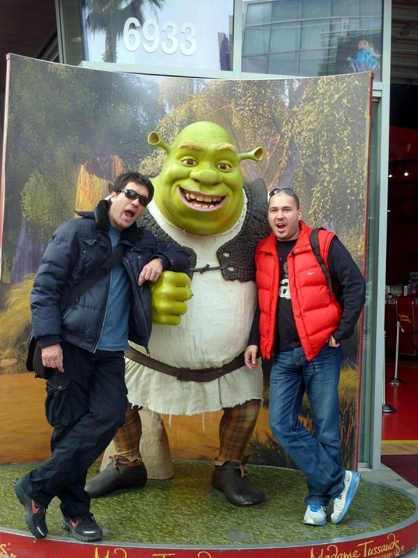 Hollywood, meka celebrityja, u kojoj su Phoenix i Phoenix uspjeli nagovoriti Shreka na zajedničku fotografiju.