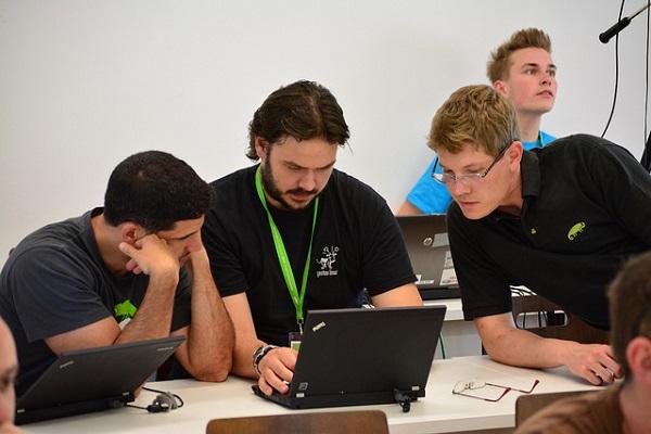 Pobornici otvorenog softvera raspravljali su o tome kako držati korak s ubrzanim promjenama