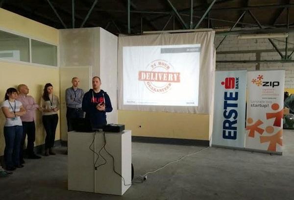 Mario Brkić uputio je natjecatelje u pravila hackathona.