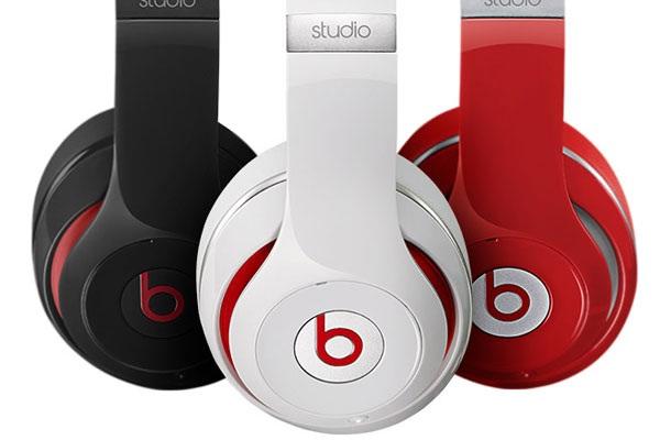 Hoćemo li uskoro umjesto Beatsovog logotipa na popularnim slušalicama vidjeti jabuku?
