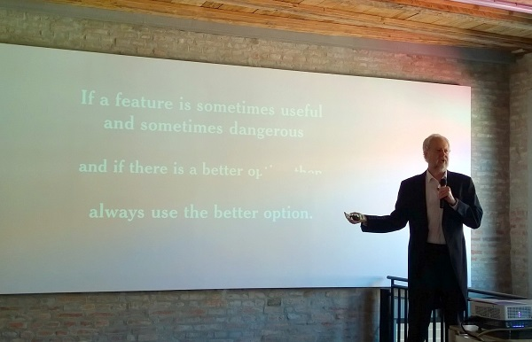 Douglas Crockford poznat je po svom angažmanu oko JavaScripta.