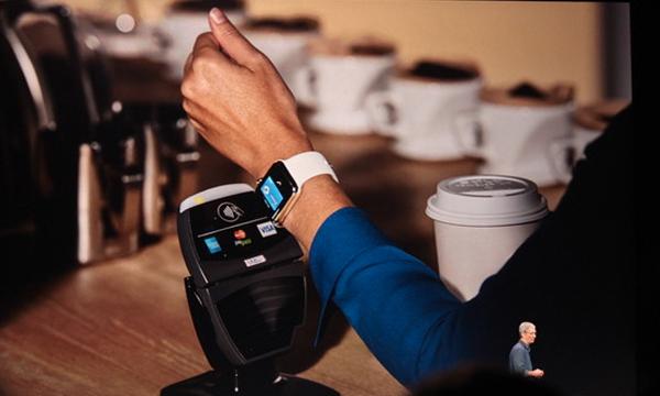 Da, Apple će omogućiti i plaćanje pametnim satom.