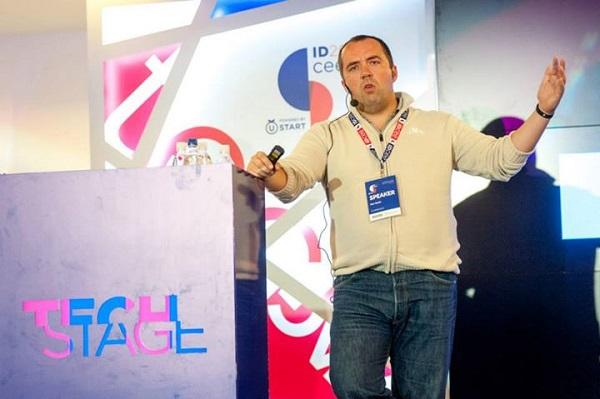 Aleš Špetič iz slovenskog CubeSensorsa objašnjavao je koliko je drugačije osnovati hardverski startup u usporedbi sa softverskim.
