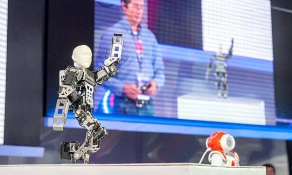 Na IDCEE konferenciji, hardver je bio bitna tema.
