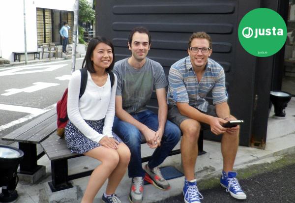 Dio tima startupa Justa: Kumiko Karaki, Adam Ransom i Nikola Pavešić.