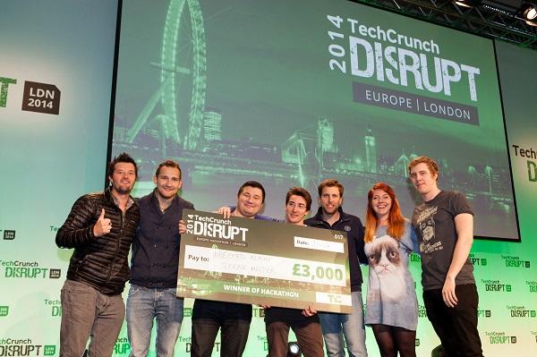 Ponosni pobjednici hackathona.