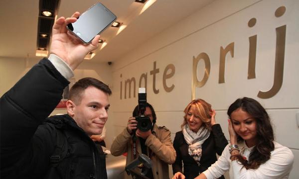 Prvi iPhone 6 koji je prodao Telekom Srbije