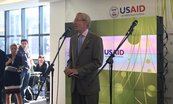 Njegova ekselencija, ambasador Michael D. Kirby otvara ICT Hub u Beogradu