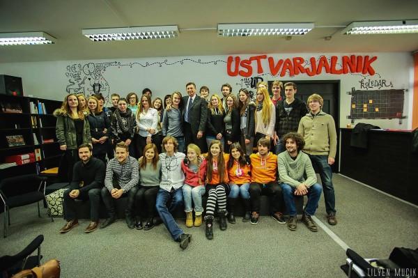 Predsjednik Republike Slovenije Borut Pahor sa srednješkolcima u Ustvarjalniku (foto: Ustvarjalnik).