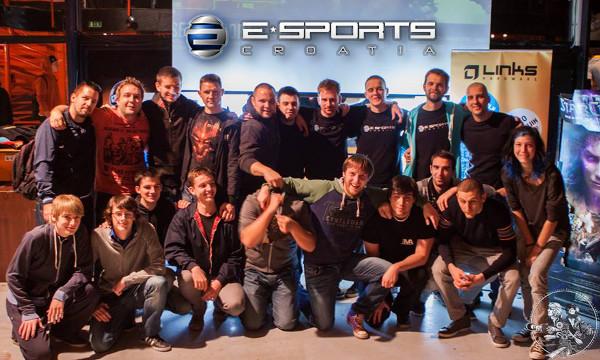 e-Sports Hrvatska kao udruga djeluje već pet godina, a nekoliko stranica posvećenim zasebnim igrama spojili su u jedinstven portal.