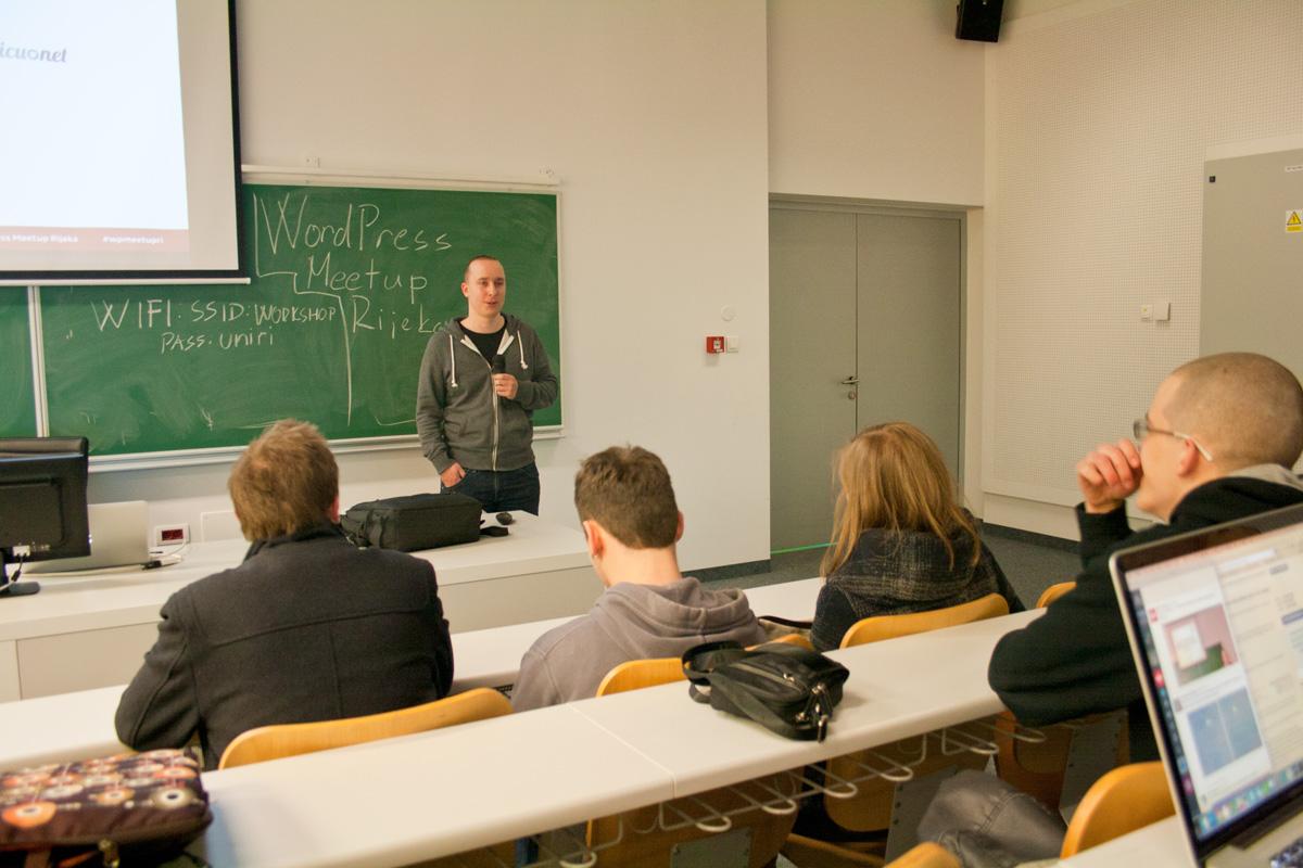 Pohvale organizatoru Meetupa Zoranu Ugrini, te zahvala na pomoći CARNetu i Odjelu za informatiku Sveučilišta u Rijeci