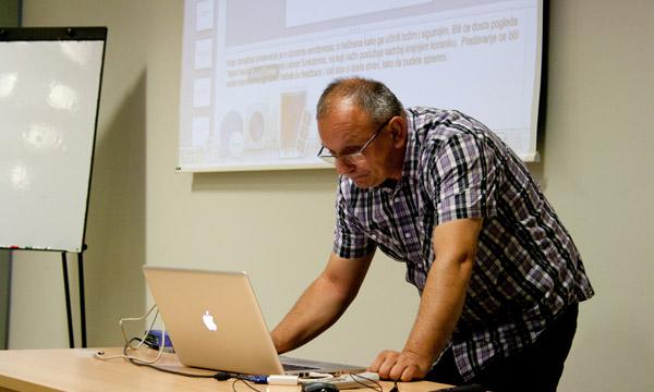 """Novi, """"stari"""" predavač Zvonimir Gembec ovog će nam puta pričati o WordPress sigurnosti i kako se u Plus Hostingu suočavaju s takvom vrstom problema"""