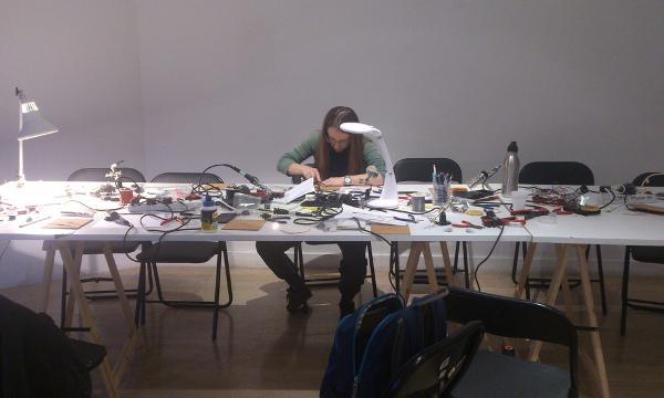 Radiona okuplja početnike i one tehnički potkovane.