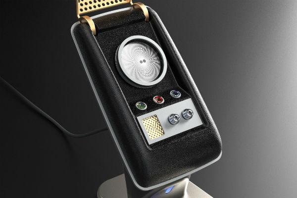 Star_Trek_Communicator_1