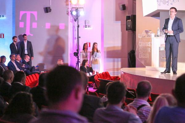 Mario Rudman i Marko Radoš napravili su projekt iFlight kao diplomski rad na FER-u.