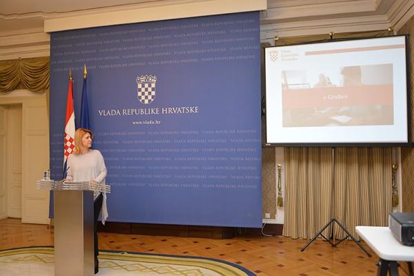 Potpredsjednica Vlade Republike Hrvatske Milanka Opačić jučer se obratila medijima povodom proglašenja projekta e-Građani najboljim u Europi. (Slika: Vlada.gov.hr)