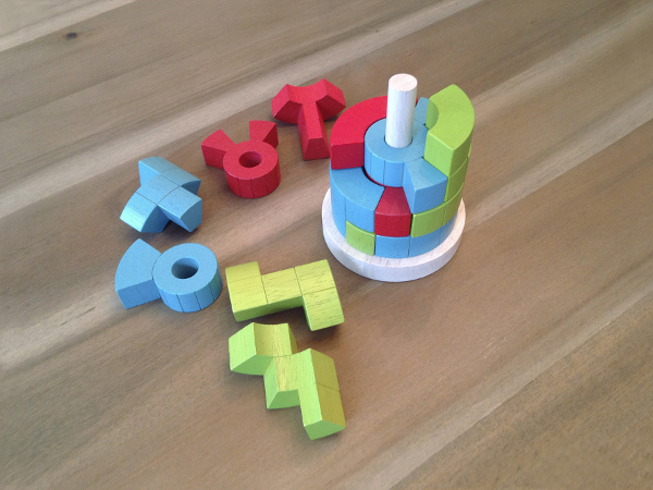 Didaktička igračka Logiq Tower (Autor fotografije: Mark Cahsens)