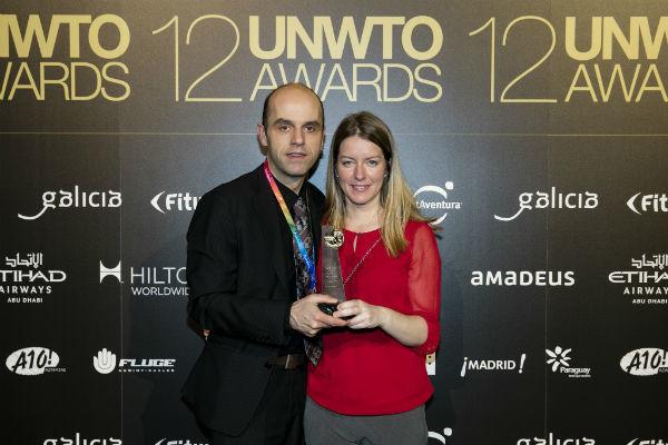 Jasmina Hatežić i Dominik Damiš (TZ Rijeka) na dodjeli UNWTO Awards Madrid 2016. (izvor: UNWTO Flickr)