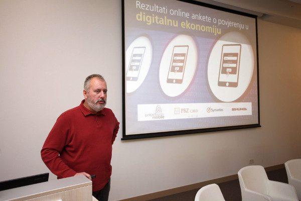 Privatni i poslovni korisnici u Hrvatskoj prihvaćaju suvremene i digitalne tehnologije, ali još uvijek ne dovoljno, rekao je Ivo Špigel