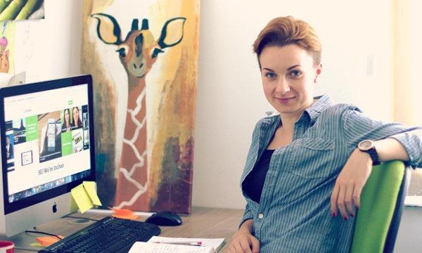 Ivona Namjesnik o tehnologiji u edukaciji razgovarala je sa svojom majkom - Dubravkom Namjesnik, učiteljicom. (Slika: Inchoo)