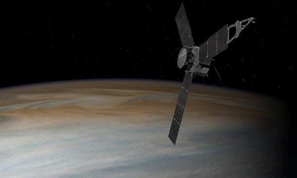 Ulazak letjelice Juno u Jupiterovu orbitu izazvala je oduševljenje u timu koji je vijest odmah podijelio na društvenim mrežama. (slika: NASA Facebook)