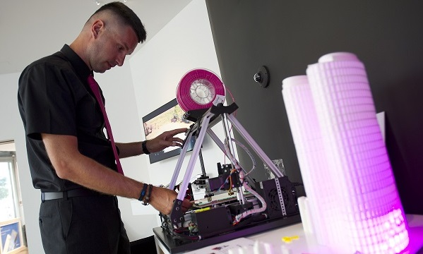 Business Showroom nudi i 3D printer hrvatske proizvodnje.
