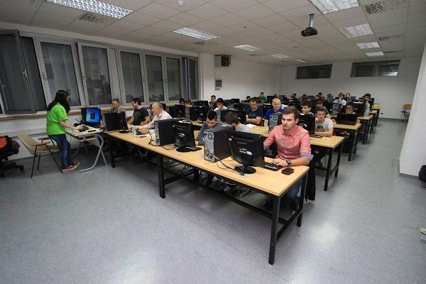 Splitska udruga mladih programera DUMP organizira 8. po redu Školu osnova programiranja koja počinje 22. listopada.