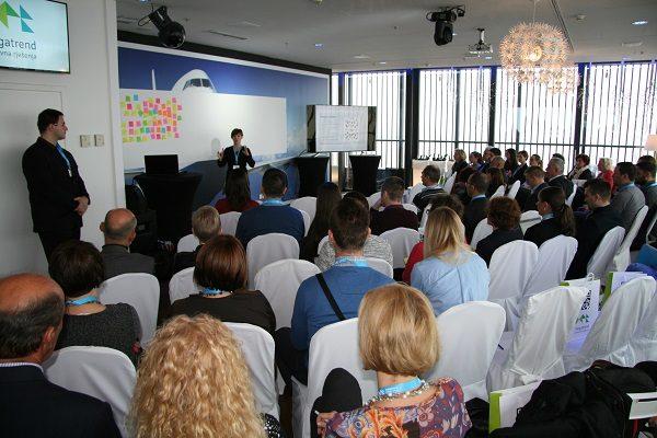 Radionicu je vodila Ana Veir iz IBM-a koji je razvio mnogo različitih zadataka i metoda s ciljem što konstruktivnije razrade korisnikovih potreba, problema i njihovih rješenja.