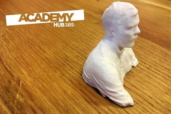 Ovo je Luka. Ne, ovo je Lukina 3D isprintana statua. Budi kao Luka, isprintaj se! :)
