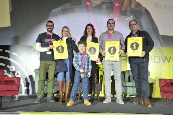 Učitelji su dobili i službeno priznanje za status heroja koji im je dodijelio Nino Petric.