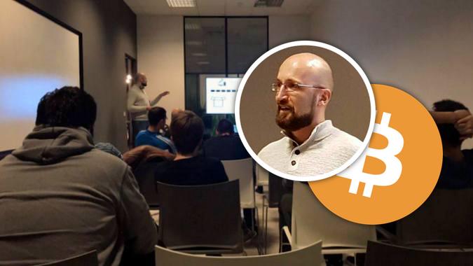 Leon Badurina, developer i bitcoin entuzijast, jučer je održao predavanje u HUB385 o funkcioniranju i mogućnostima bitcoina.