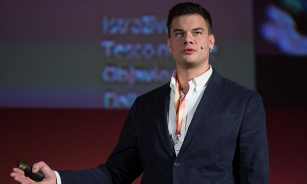 """""""Ovdje postoje YouTube zvijede, oni su okosnica današnje mladeži i njima milenijalci i generacija Z vjeruju"""", istaknuo je Matej na jučerašnjem Digital Takeoveru."""