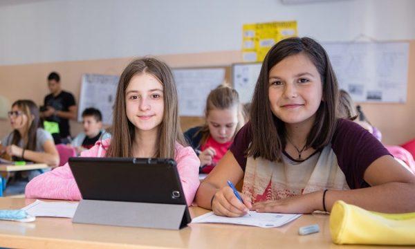 """Povodom Međunarodnog dana žena ističemo neke zanimljivosti o obrazovanju žena u Hrvatskoj, ali i o preferencijama učenica diljem Europe po pitanju STEM zanimanja i ravnopravnosti s drugim spolom u tradicionalno """"muškim"""" zanimanjima."""