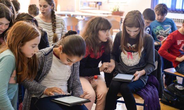 Većina djevojaka u dobi od 11 godina ima interes za STEM područjima, no od 15. godine taj interes naglo pada.