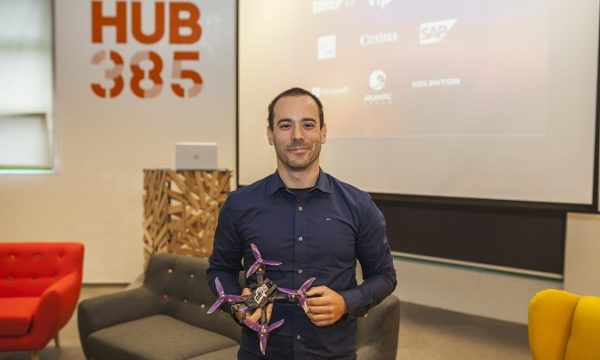 """Za utrku dronova zadužen je Tomislav Horvat koji smatra da će te utrke postati """"sport budućnosti""""."""