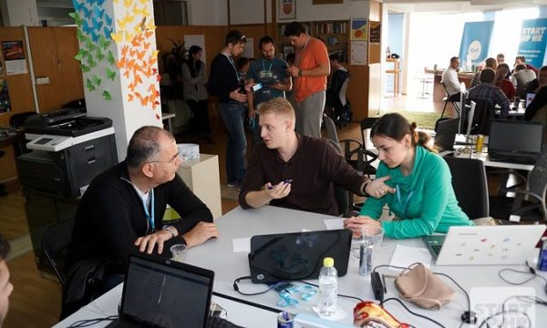 Udruga startup.hr je u godina dana organizirala različita predavanja i radionice, a također je suorganizator hackathona Gewathon te Hack4Split.