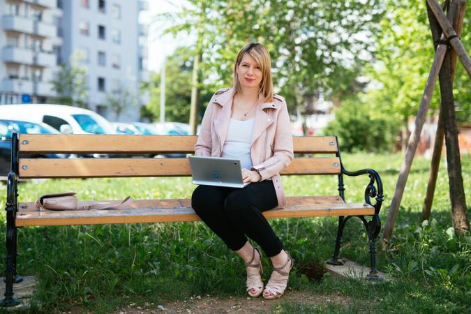 """Anja napominje kako je na fakultetu naučila razmišljati na """"marketinški"""" način, ali da je morala samostalno """"popunjavati rupe"""" u znanju."""