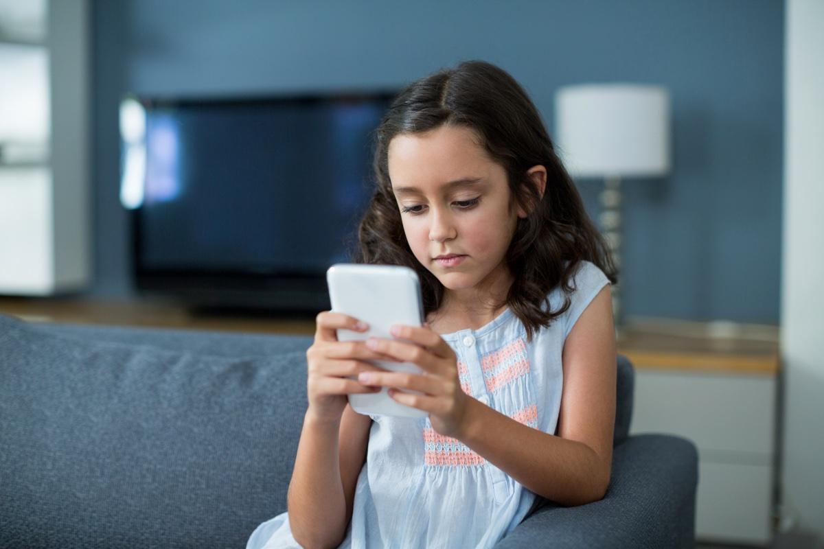 Kako zaštititi dijete od neželjenih poziva, poruka, predugog boravka na internetu?