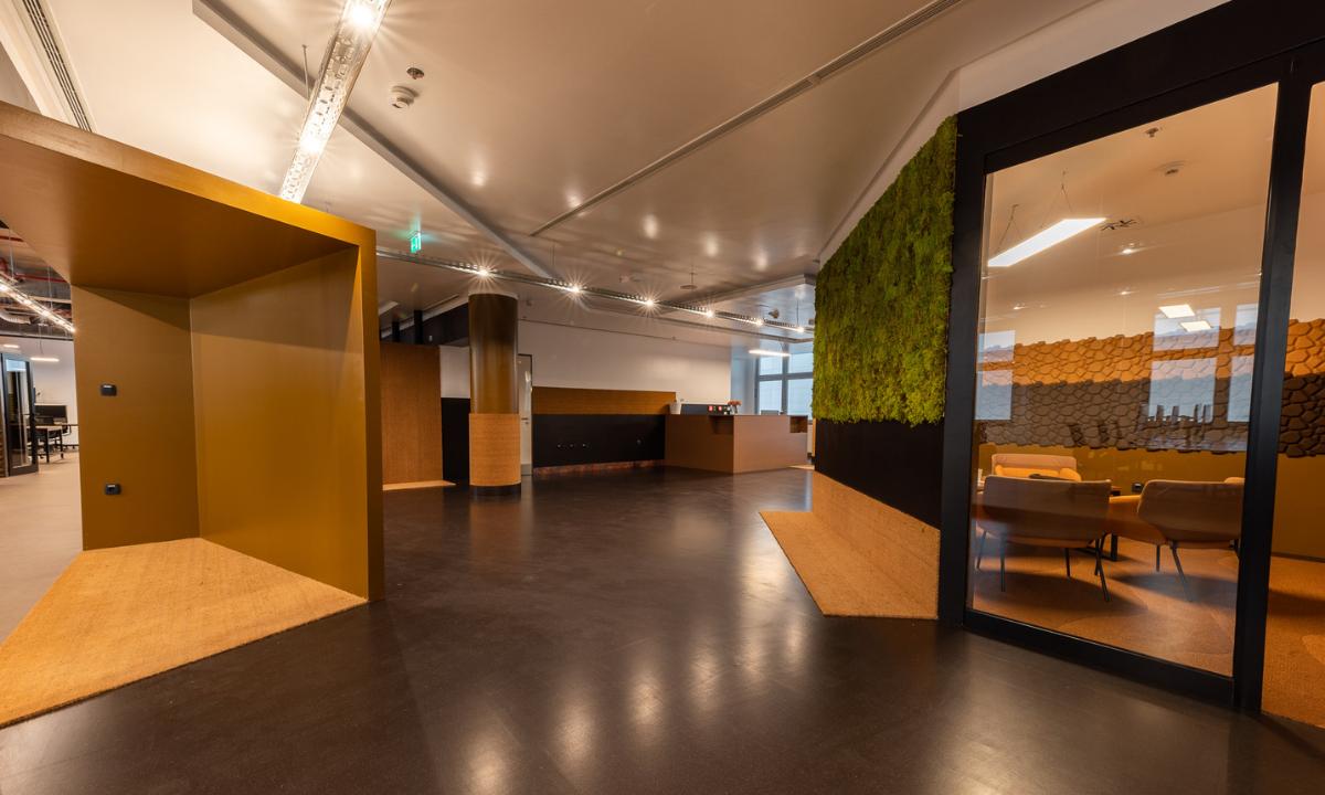 """FIVE ima novi osječki ured inspiriran starim radionicama – u njemu se danas """"pile i bruse"""" IT projekti!"""